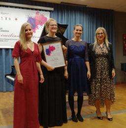 ll Trio Artio premiato dall'Avv. Eleonora Schillaci, vice presidente di Eleomai